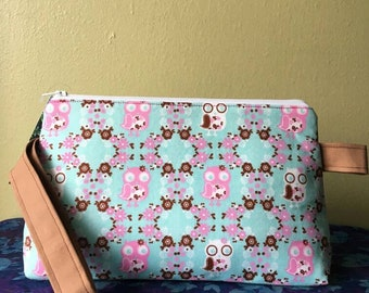 Medium Wedge Project Bag- Pink and White Owls on Aqua