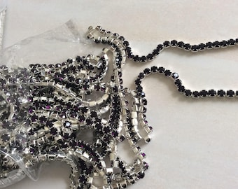 Chain with 4 mm Crystal rhinestones dense plum