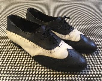 1980's, wingtip, spectator oxfords, in black and white leather, Men's size 8.5