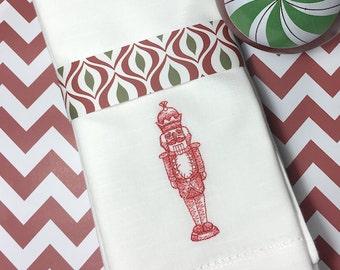 Nutcracker Cloth Dinner Napkins, nutcracker napkins, nutcracker decor, vintage christmas, nutcracker christmas napkins, nutcracker linens