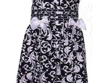 4364 Black n White Floral Dresslotte