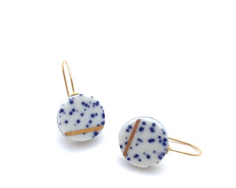 Delft ceramic earrings, Porcelain jewelry, 18k gold earring, Minimalist jewelry, blue and white, speckled earrings, Bridesmaid gift for her