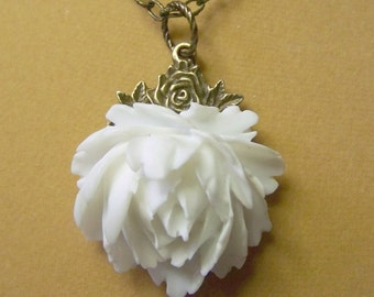 Rose Garden Necklace WEDDING WHITE Rose - Victorian Style - Bridesmaids Gift - Shabby Chic - Cottage Chic - French Chic -