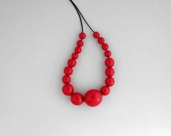 Red wooden bead necklace, chunky asymmetrical necklace, geometric minimal necklace, eco friendly, women gift, wood necklace, wooden jewelry
