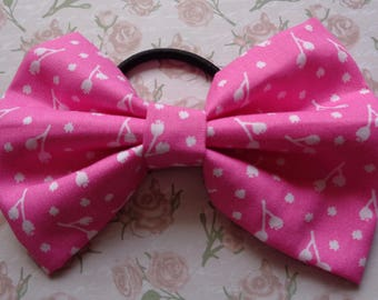 Pink And White Flower Print Fabric Hair Bow