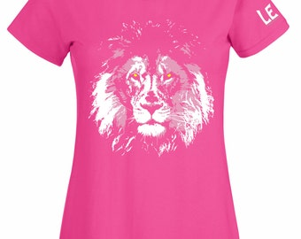 Lion t shirt for women or teen girls. Fuchsia pink tshirt with screen print lion art. Screenprint African animal tee gift for her. Big Cats
