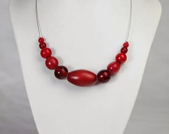 Necklace fancy red wired ivory leather and glass bead