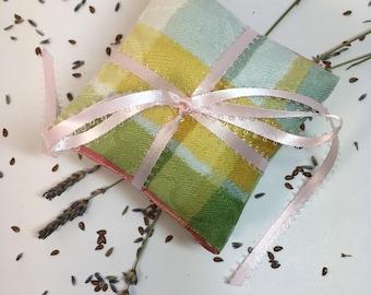LAVENDER SACHET~Set Of Three~Organic Lavender & Flax Sachet ~Holiday Gift~ Bridemaids~Shower~Sachet~Scented Sachet~Drawer Fresheners