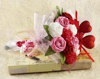 Origami Rose Love Bouquet with Pink Red and White Roses (16 Stem Roses Gift Wrapped)
