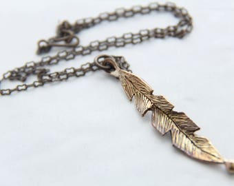 BR1012 -BRONZE  FEATHER PENDANT, Antique Bronze, Cast product,  Pendant, Vintaj chain.