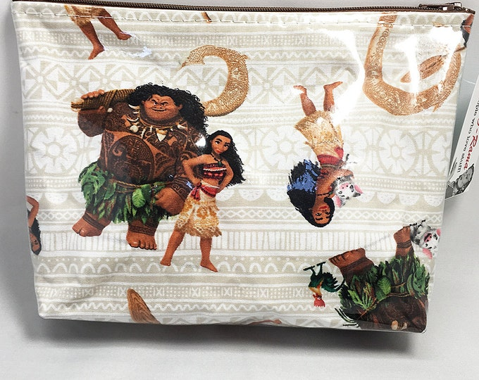 Make Up Bag - Moana and Maui Beige Zipper Pouch