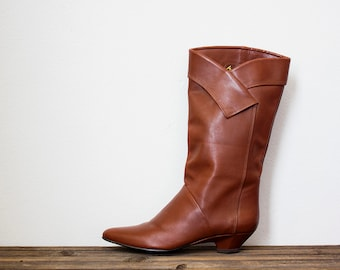 Vintage 1980s brown leather boots / slouchy boots / tall boots