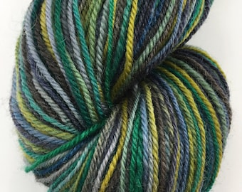 Handspun Yarn Sock Yarn 'Touch of Green' corriedale 340 yds nply
