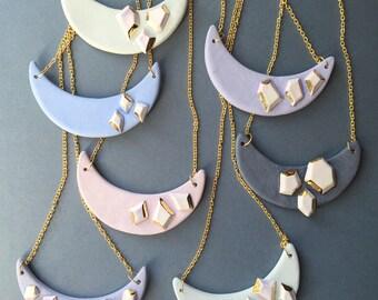 Ceramic & 22kt gold crescent gem pendant, ceramic pendant, modern ceramic jewelry, minimal jewelry, necklace