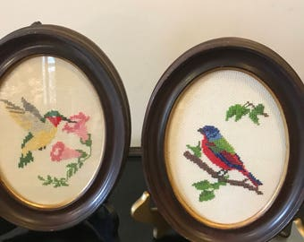 Vintage Pair of Oval Wooden Framed Art NeedlePoint Pictures Wall Plaques  Set of 2 Needlepoint Bird Pictures Shabby Chic Frames