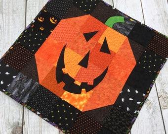 Halloween Wall Hanging, Halloween Decor, Pumpkin Decor, Jack O' Lantern, Halloween Quilt, Fall Decor,