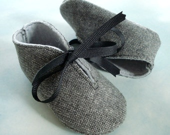 Baby Shoes Sewing Pattern with Appliques and Ribbon Ties - PDF ePattern