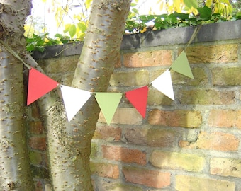 Holiday Wooden Bunting Garland - Christmas Seasonal Red, Green and White Pennants