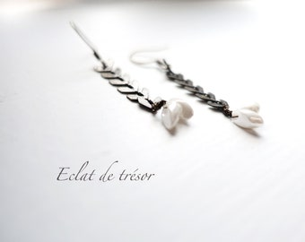 Chevron earrings, white color