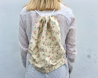 VINTAGE floral material drawstring backpack