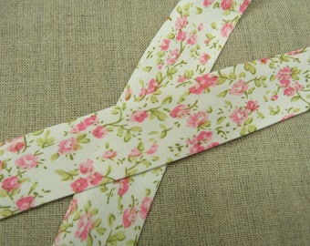 Liberty fabric with 25 mm pink & pale pink flowers