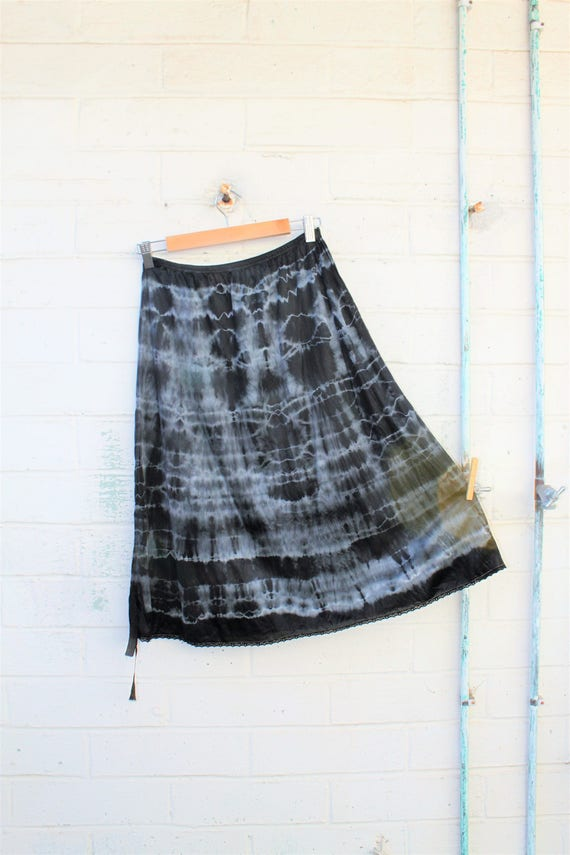 Medium Tie Dye Skirt/Chocolate Cafe Vintage Skirt/Upcycled Clothing/Hippie Tie Dye Skirt/Tie Dye Lace Skirt/Upcycled Skirt/French Fairy
