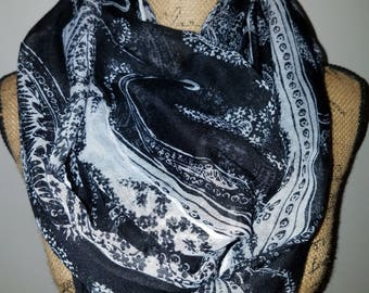 Black and white large infinity scarf