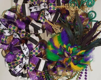 Laissez les bons temps rouler (Let the good times roll) with this Mardi Gras Wreath); Purple, Gold, Green and Black; Beads