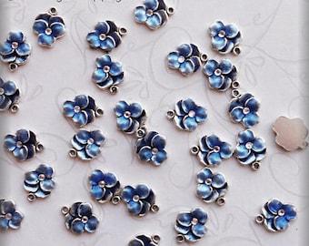 Pansy charm blue enameled  (x6)