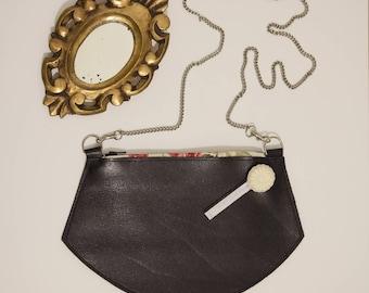 Pochette en cuir, petit sac avec chaine en bandoulière, cuir véritable bleu marine foncé
