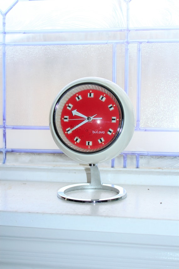 Vintage Mid Mod Bulova Clock Bubble Pedestal Red and White 1970s