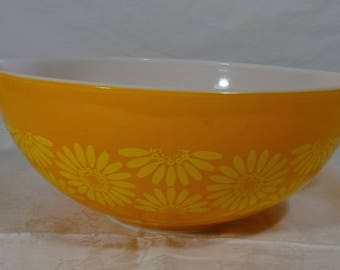 Vintage Yellow/Orange Sunflower Pattern Pyrex Mixing Bowl - Vintage - Kitchen Fun - Retro