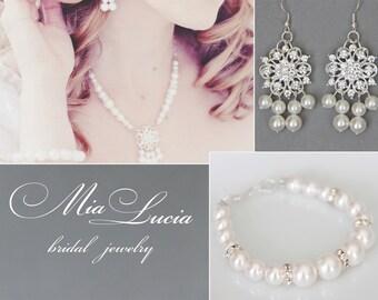 Bridal Jewelry Set, White Swarovski Pearl Bridal Jewelry Set, Pearl Necklace Earrings Bracelet Set,  art. e06-b02-n22