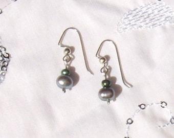 Silvery Pearl Earrings
