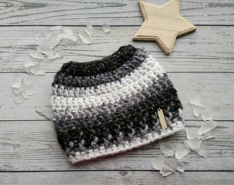 Messy Bun Hat, Black and White Bun Hat, Grey Messy Bun Beanie, Top Knot Toque, Ponytail Hat, Christmas Gift for Her, Multicolor Open Top Hat