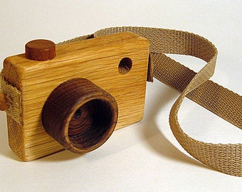 Oak Hardwood Camera ** Wooden Toy Camera **  Pretend Play Camera ** Kid's Toy Camera **