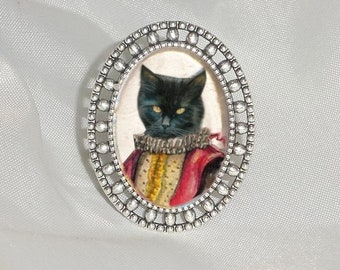 ring with cat: cat dressed in Lélio, the Italian commedia dell'arte character ' arte