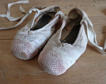 Girls ballet shoes, shabby ballet point shoes for home decor
