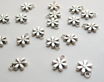 20 Flower snowflake charms 6 petals antique silver 13x11mm DB03799
