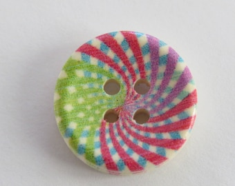 Round spiral pattern wooden button