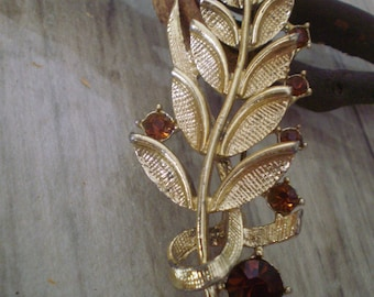 Vintage engraving leaf brooch red Rhinestone/metal brooch 1950s