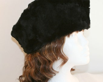 Mid Century Womens Fur Pillbox Hat//Vintage Fur with Satin Lining Hat