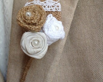 Boutonniere in Burlap, fabric and lace