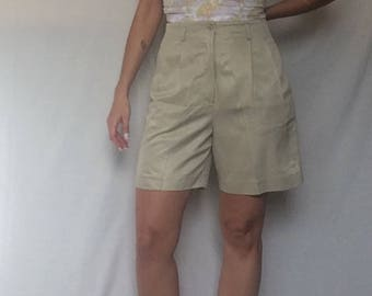 Vintage 80's/90's dressy beige shorts/high waist pleated shorts/normcore shorts