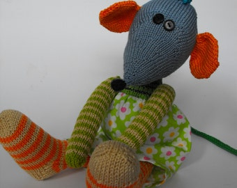 mouse Yann, hand knitted toy, made of cotton