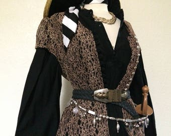 Large Adult Women's Pirate Captain Halloween Costume - Including Jewelry & Belts Steampunk Pirate Costume