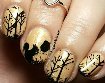 Squirrel & Nut Nail Decal
