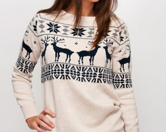 Women sweater with deers