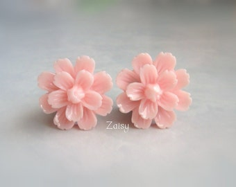 Pink Flower Plugs for Gauged Ears Sizes 5/8 Inch, 9/16 Inch, 1/2 Inch, 00g, 0G, 2G, 4G , 6G, 4mm, 5mm, 6mm, 8mm, 10mm, 12mm, 14mm, 15mm