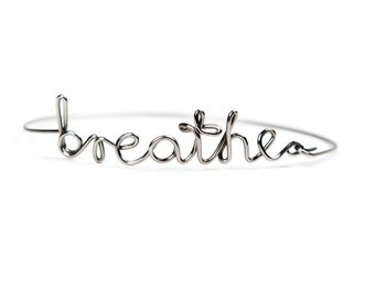 Stainless steel US WORDS bracelet | Dedicated word | Breathe | Silver gloss | Personalized | Minimalist jewelry